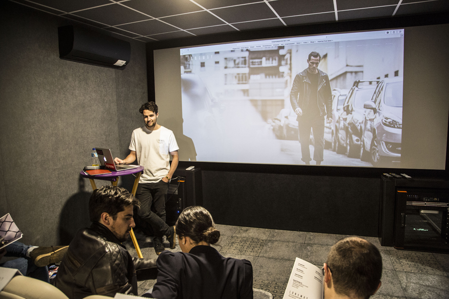 Proyección de vídeos corporativos - La Morada Eventos Madrid